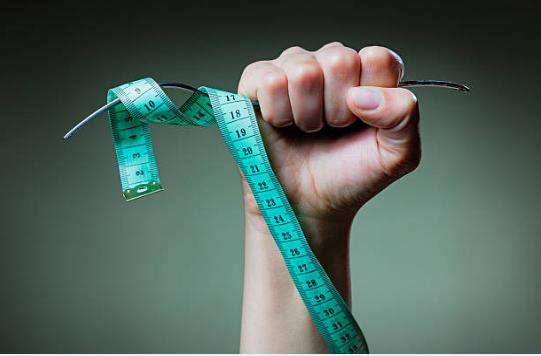 сантиметър и вилица