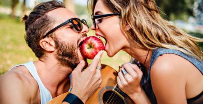 мъж и жена, храна, интимност