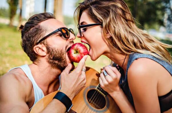 храни, интимност, двойка