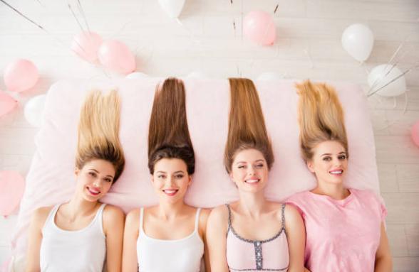 момичета с дълги коси