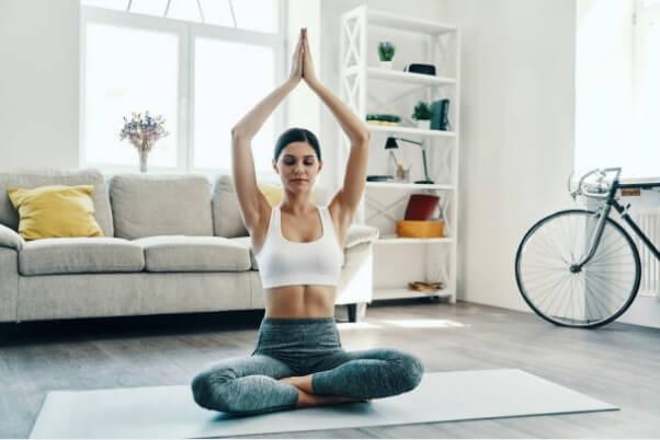 жена, йога
